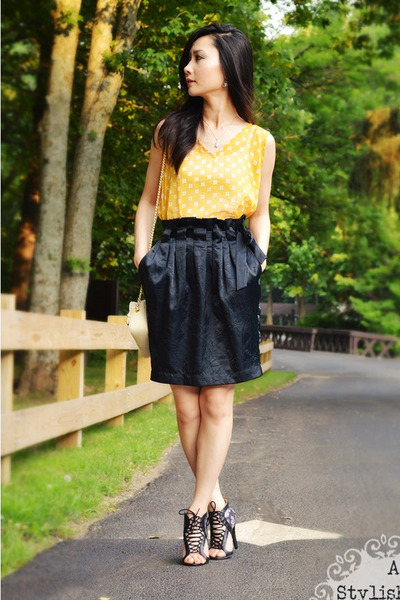black skirt - yellow top