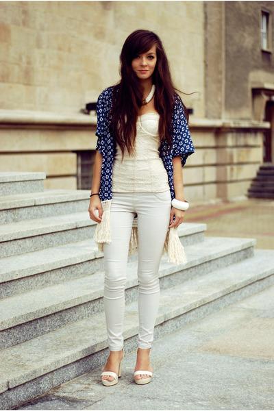 navy ethnic Choies blazer - ivory basic Bershka pants