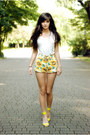 Yellow-floral-6ks-shorts-white-minimal-sheinside-t-shirt