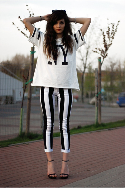 white newyork Choies t-shirt - black striped motelrocks pants