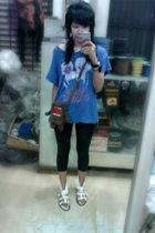 blue Just G shirt - black leggings - white So Fab shoes - brown Toy Kingdom purs