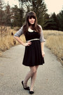 Black-shop-ruche-dress-heather-gray-modcloth-top-black-blowfish-shoes-flats