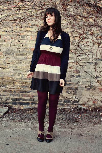 75539e3b1636 navy modcloth dress - maroon TJ Maxx tights - navy Ruche cardigan