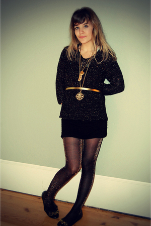 gold Forever 21 belt - black Forever 21 shoes - black thrifted sweater