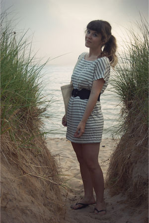 gray threadsence dress - black Old Navy shoes - black Urban Outfitters belt - be