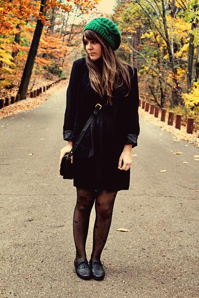 green modcloth hat - black modcloth dress - black thrifted blazer