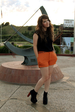 carrot orange Forever 21 shorts - black vintage top