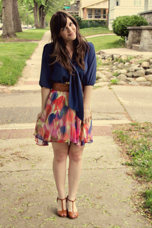 bubble gum Ruche skirt - tawny Urban Outfitters heels - blue modcloth top