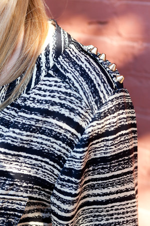 A-thread blouse