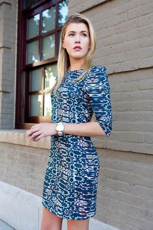 A-thread dress