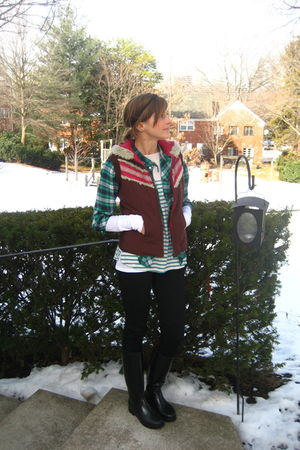 brown free people vest - green thifted shirt - blue Urban Outfitters t-shirt - w
