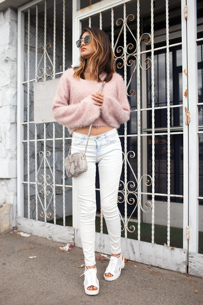 White-topshop-jeans-light-pink-tobi-sweater-silver-michael-kors-purse