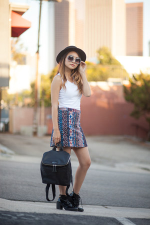 Bershka skirt - black CA4LA hat - black Kenneth Cole bag