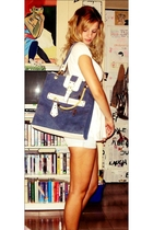 blue jeans - white shirt - blue navy vintage purse