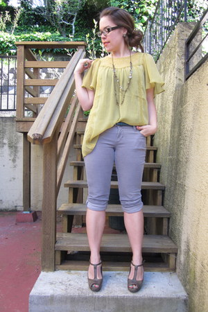chartreuse H&M top - heather gray Old Navy pants - dark khaki simply vera wang h