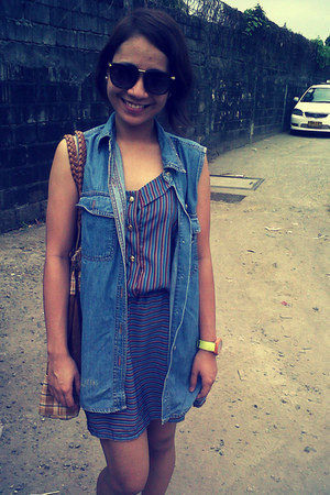 Seven Confessions dress - Forever 21 sunglasses - Levis top