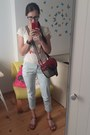 Red-słoń-torbalski-bag-light-blue-repeat-pants-brown-lasocki-sandals