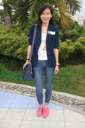 thrifted blazer - Forever21 - blue crissa jeans - pink tonic shoes - white Mango