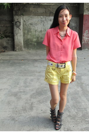 charcoal gray buckles Manels boots - light yellow EDC shorts - pink F-Stop blous