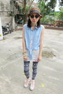 Black-terranova-leggings-bubble-gum-converse-sneakers-light-blue-moms-top