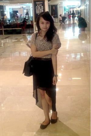 black asymmetric new look skirt - tan lace Forever 21 shirt