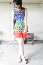 turquoise blue aztec top - carrot orange shorts - ivory wedges