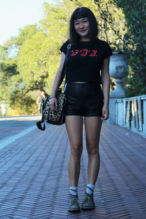sweater vintage shirt - suede Clarks boots - leopard print vintage bag