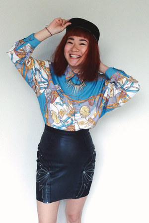 light blue vintage chictopia shop top - black leather vintage skirt