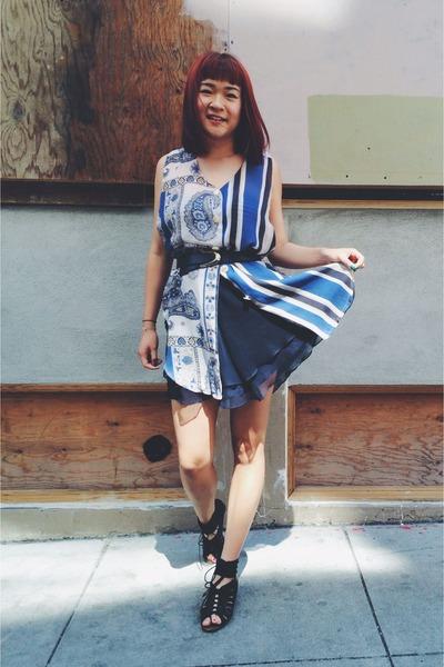 navy vintage skirt - black Dolce Vita wedges - blue tunic vintage top