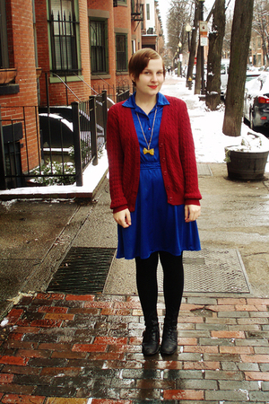 blue vintage dress - red Gina Benotti cardigan - black Manguun boots - gold rene