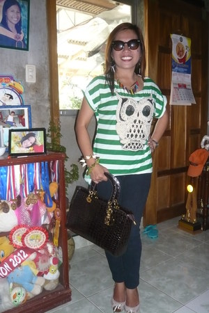 green stripe owl neon blouse - studied bag - dark brown sunny glasses
