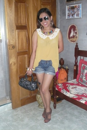 spike bracelet - natasha bag - heels - blouse