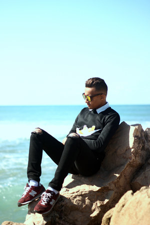 giant vintage sunglasses - Sheinside sweatshirt - New Balance sneakers