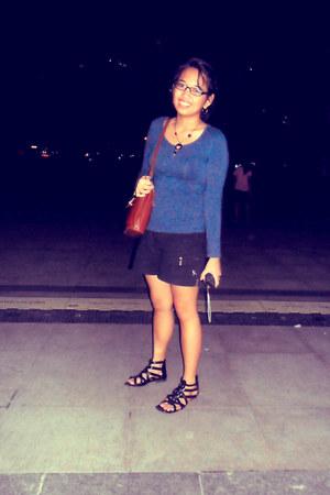 tawny bag - black shorts - black necklace - navy top - black glasses