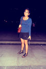 Tawny-bag-black-shorts-navy-top-black-necklace-black-glasses