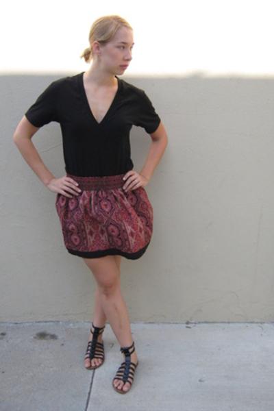 American Apparel t-shirt - Urban Outfitters skirt - sam edelman shoes