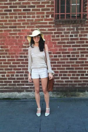 ivory faux snake skin vintage shoes - neutral Forever21 hat - neutral Brandy & M
