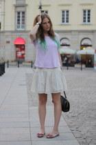 purple H&M t-shirt