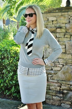 graphic Old Navy sweater - grid Forever 21 blouse - leather asos skirt