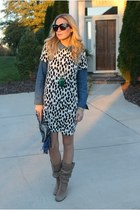 pendant the cheeky bean necklace - suede Vince Camuto boots