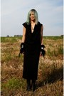 Black-babette-versus-dress