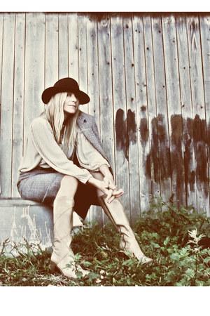 leather vintage boots - dark brown felt vintage hat - tweed vintage jacket