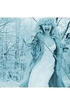 faux fur astraka dress - white nylon blond wig second hand dress