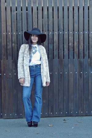 black no name boots - ivory fur Stradivarius coat - blue vintage jeans
