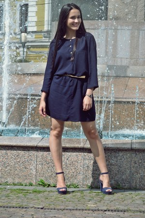 navy Mango dress - navy Stradivarius sandals - gold Zara belt