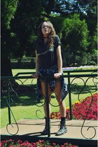 dark gray Stokes band shirt - Thrifted Westco Denim shorts