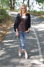 Black-blazer-brown-tahari-t-shirt-blue-jeans-white-cole-haan-shoes