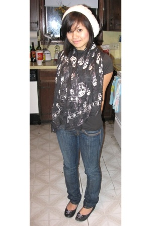 Metropark hat - Nordstrom scarf - Junk Food t-shirt - Frankie B jeans - Gabriell
