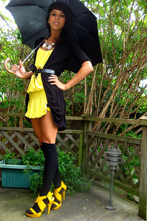 black mendocino cardigan - yellow Nine West shoes