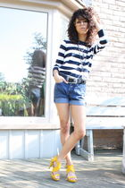 blue denim vintage shorts - gold high heels Nine West shoes